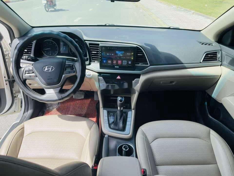 Bán xe Hyundai Elantra sản xuất 2019, xe chính chủ còn mới (9)