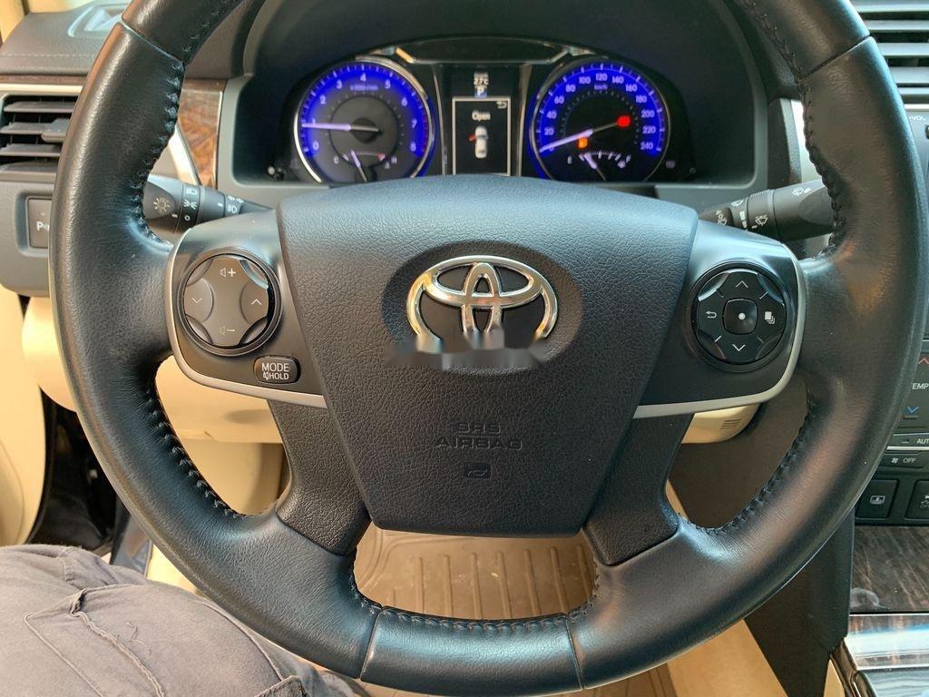 Cần bán xe Toyota Camry năm 2016, xe giá thấp (10)