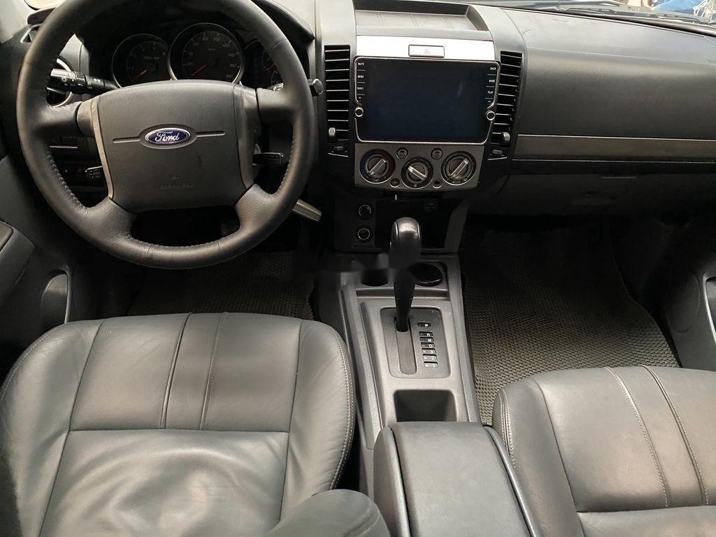 Cần bán xe Ford Everest đời 2013, màu bạc, nhập khẩu (8)