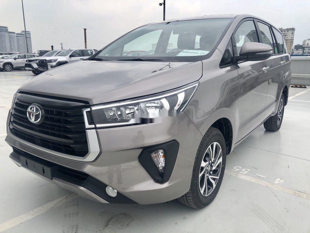 Bán ô tô Toyota Innova 2.0E MT năm sản xuất 2021 (2)