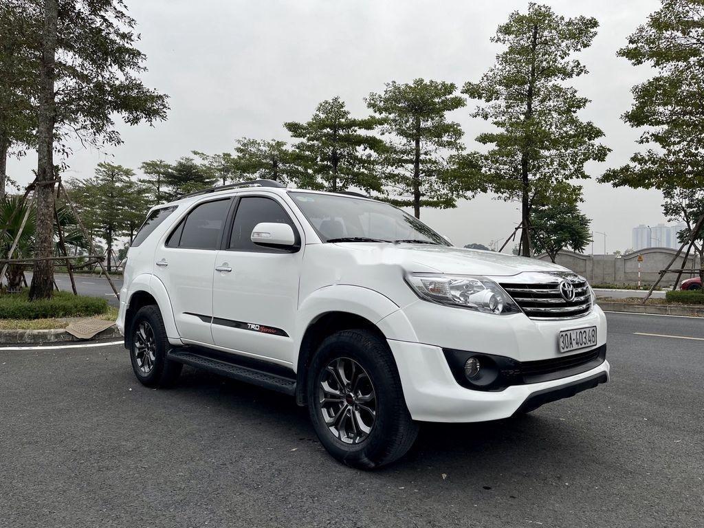 Cần bán xe Toyota Fortuner Sportivo TRD năm sản xuất 2014 (2)