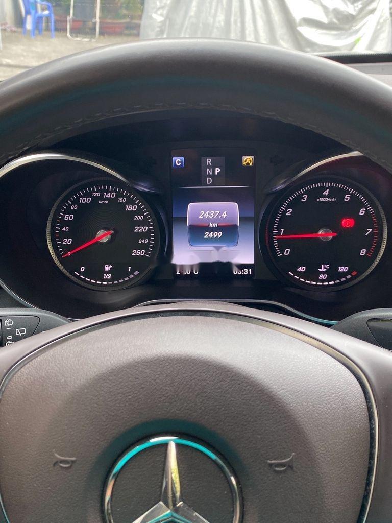 Cần bán xe Mercedes GLC300 4 Matic năm sản xuất 2019, nhập khẩu nguyên chiếc (8)