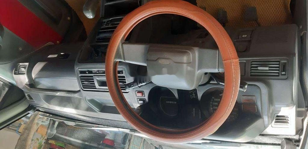 Cần bán xe Mitsubishi Pajero sản xuất 2000, xe nhập, giá 145tr (4)