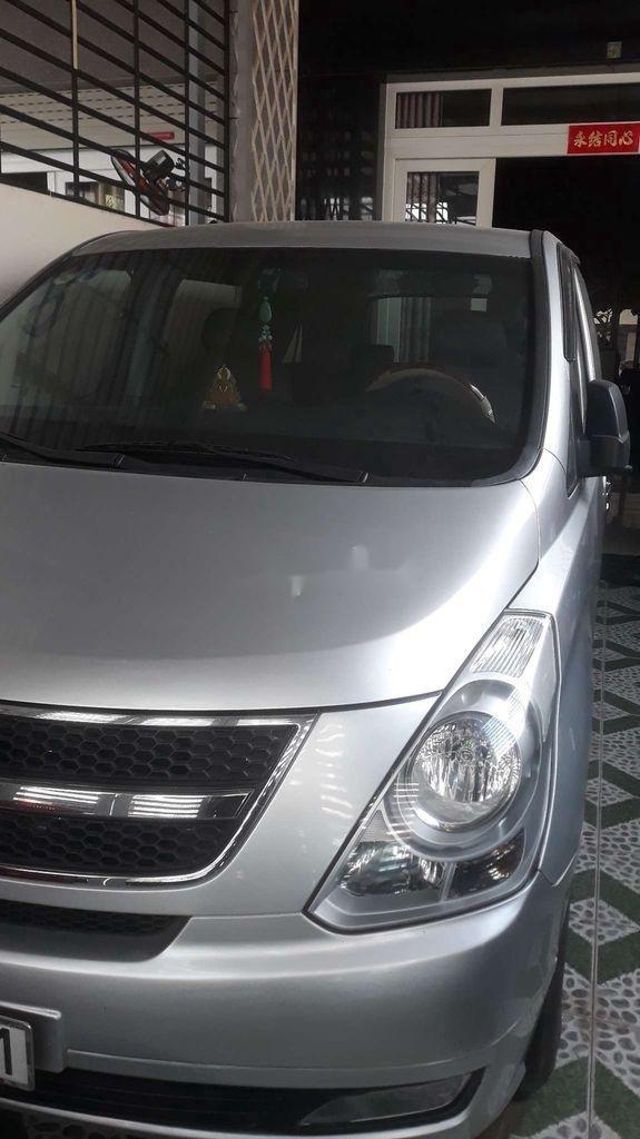 Cần bán lại xe Hyundai Grand Starex năm sản xuất 2009, xe nhập còn mới (1)