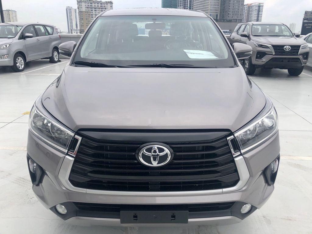 Bán ô tô Toyota Innova 2.0E MT năm sản xuất 2021 (1)