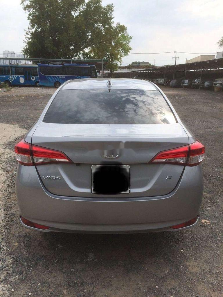 Bán xe Toyota Vios 2020, màu bạc (5)
