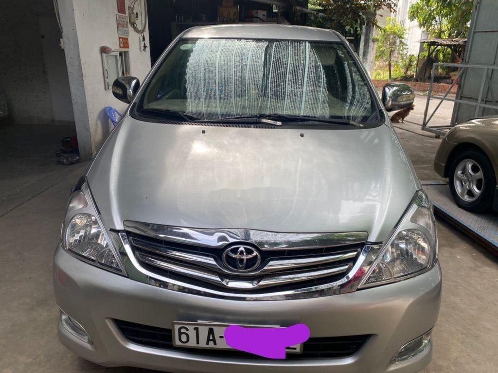 Cần bán xe Toyota Innova đời 2009, màu bạc còn mới, 275tr (1)