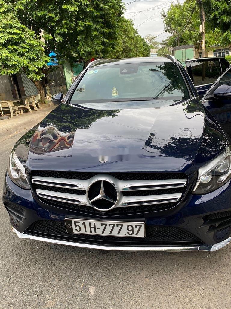 Cần bán xe Mercedes GLC300 4 Matic năm sản xuất 2019, nhập khẩu nguyên chiếc (5)
