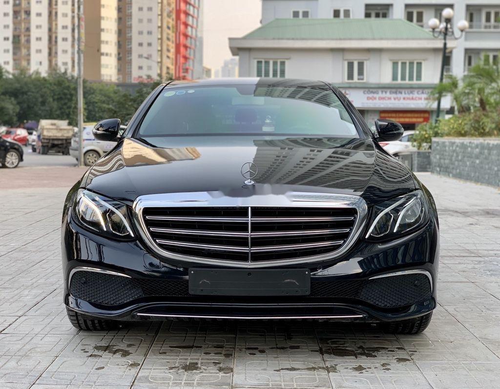 Bán ô tô Mercedes E200 đời 2017, màu đen (2)