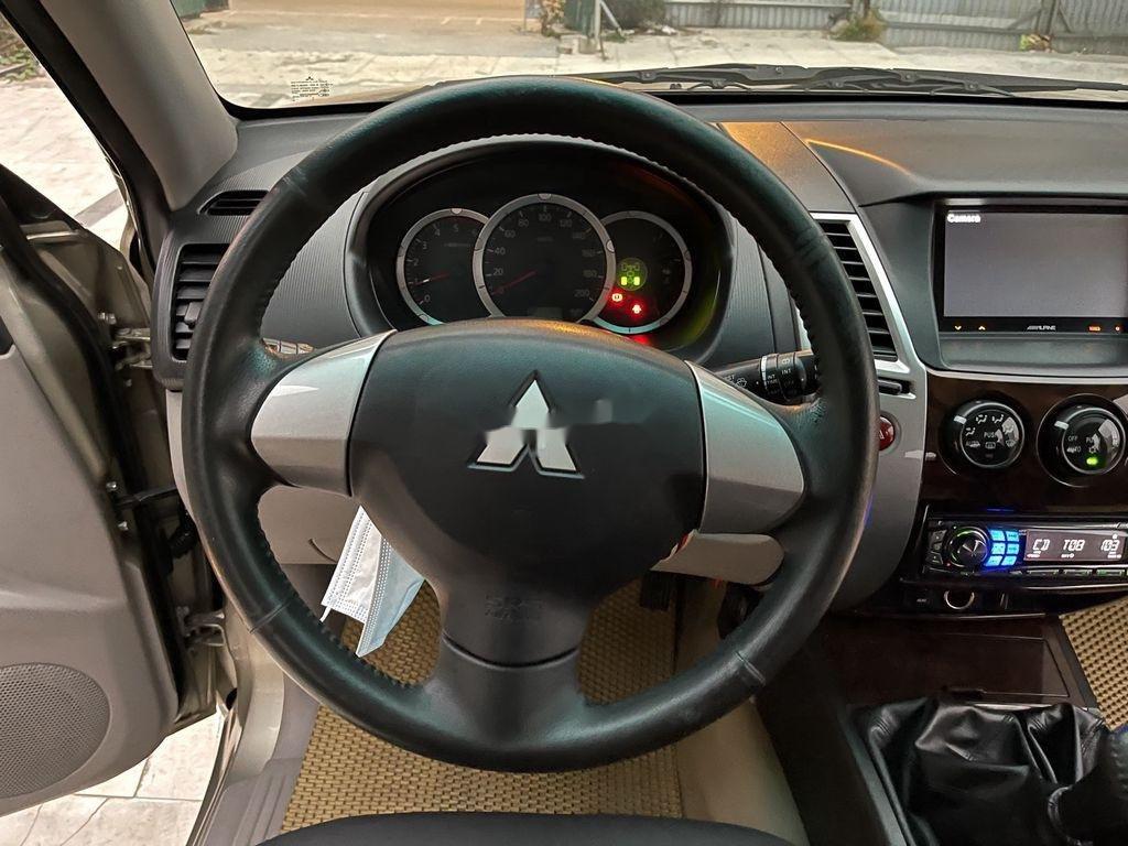 Bán ô tô Mitsubishi Pajero năm sản xuất 2012 còn mới (8)