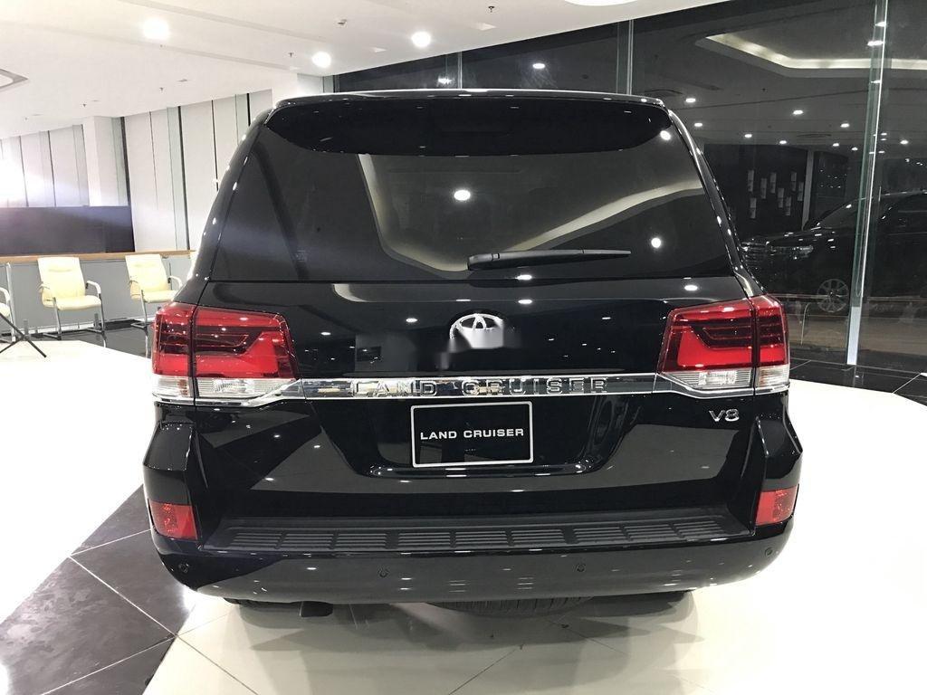 Toyota Land Cruiser V8 đời 2021 khẳng định đẳng cấp (4)