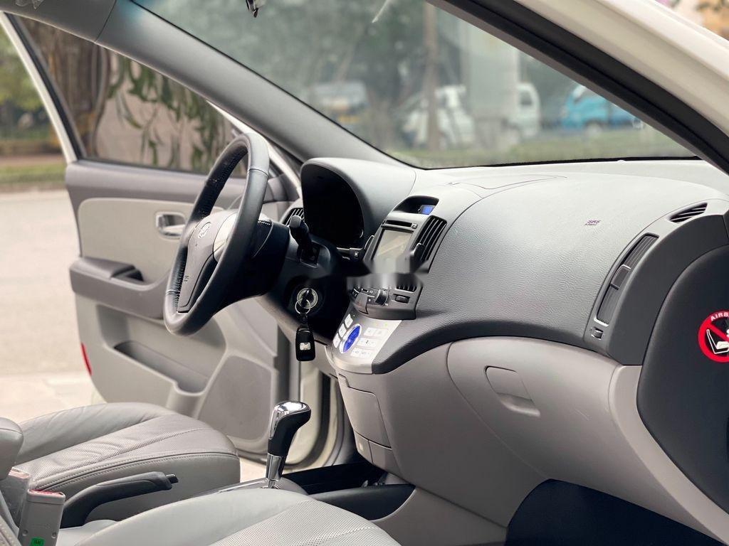 Bán ô tô Hyundai Avante sản xuất năm 2012, xe một đời chủ giá mềm (12)