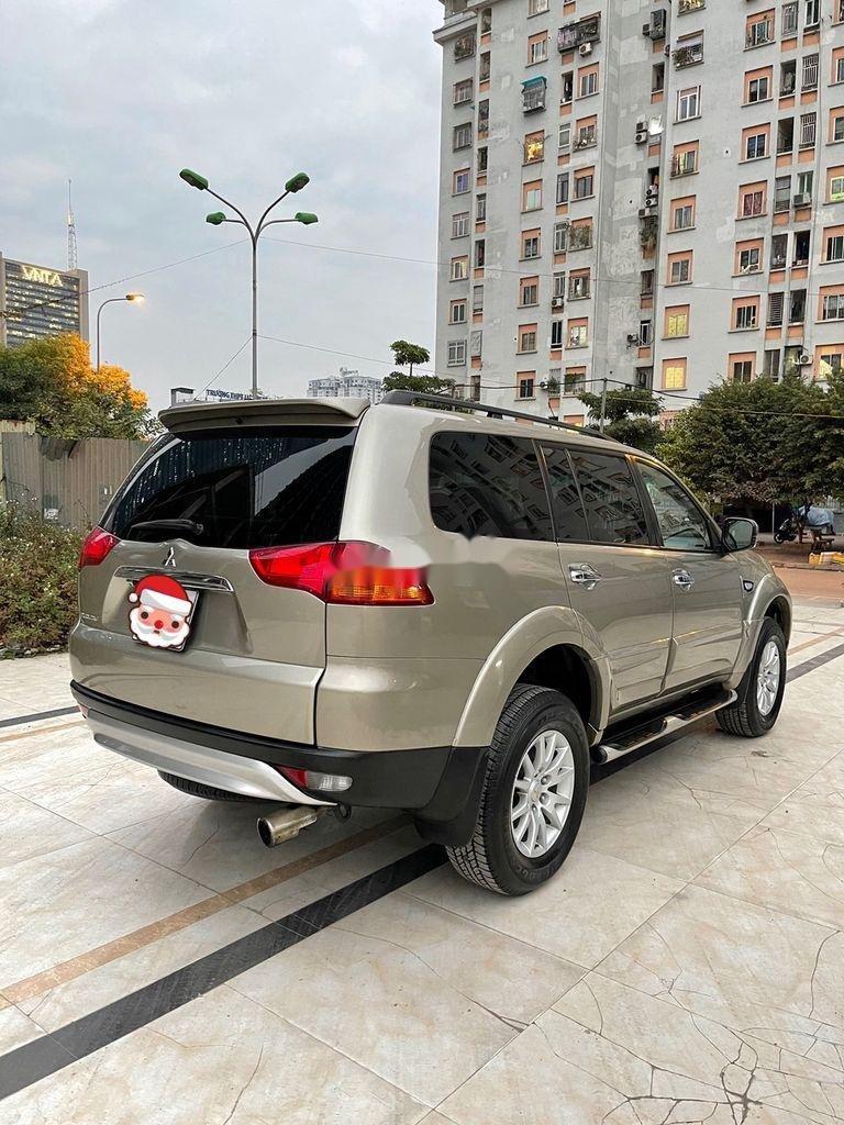Bán ô tô Mitsubishi Pajero năm sản xuất 2012 còn mới (2)