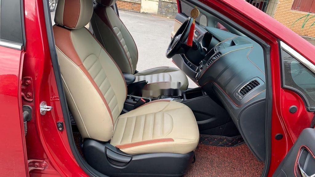 Cần bán Kia Cerato sản xuất 2018, màu đỏ, 570 triệu (8)