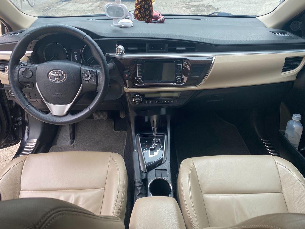 Bán Toyota Corolla Altis sản xuất năm 2016 như mới (9)