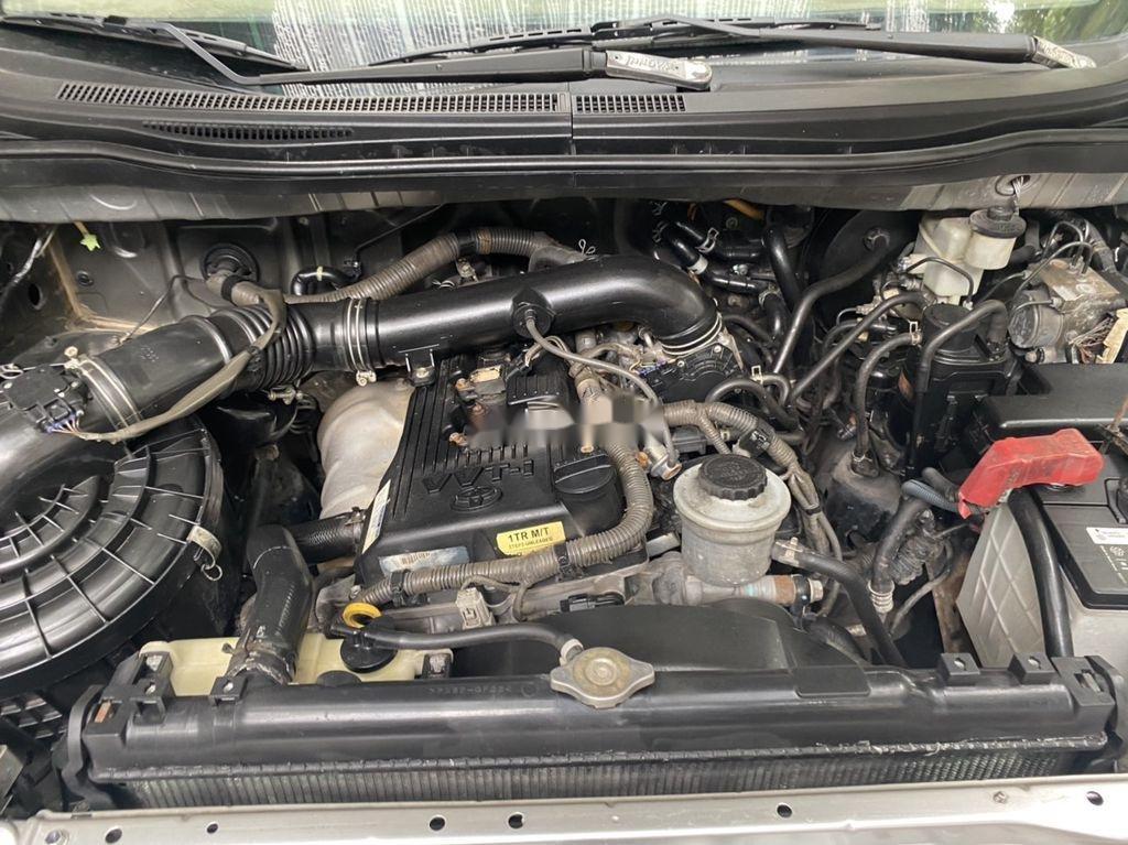 Cần bán xe Toyota Innova đời 2009, màu bạc còn mới, 275tr (8)