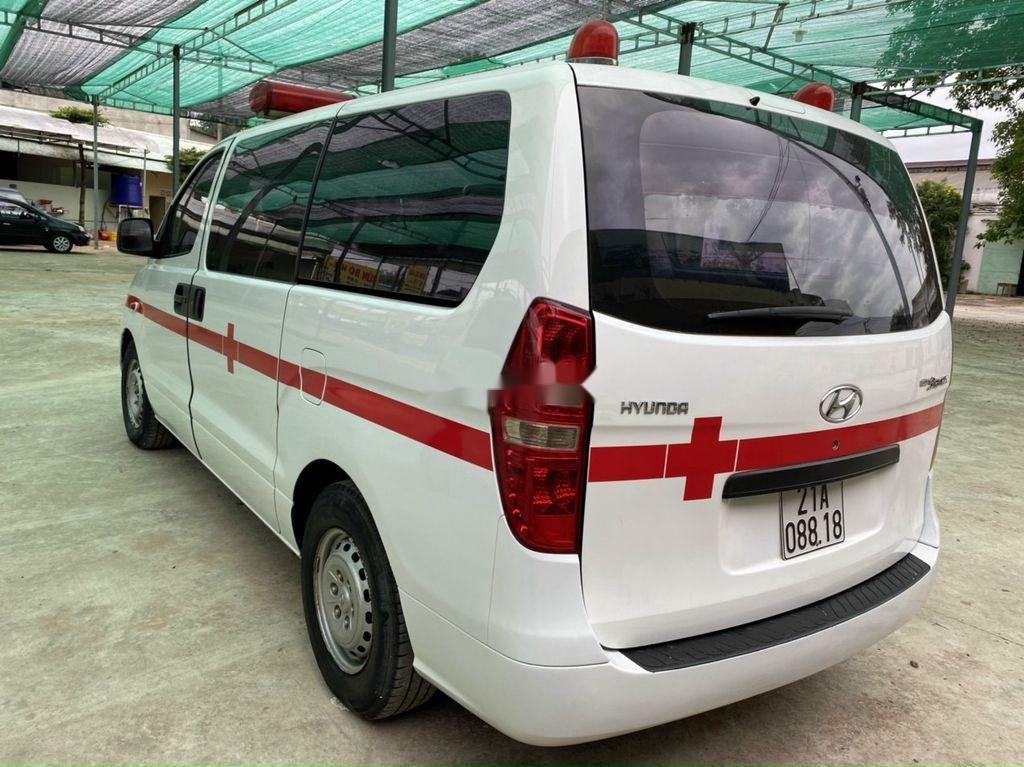 Cần bán Hyundai Grand Starex đời 2010, màu trắng (4)