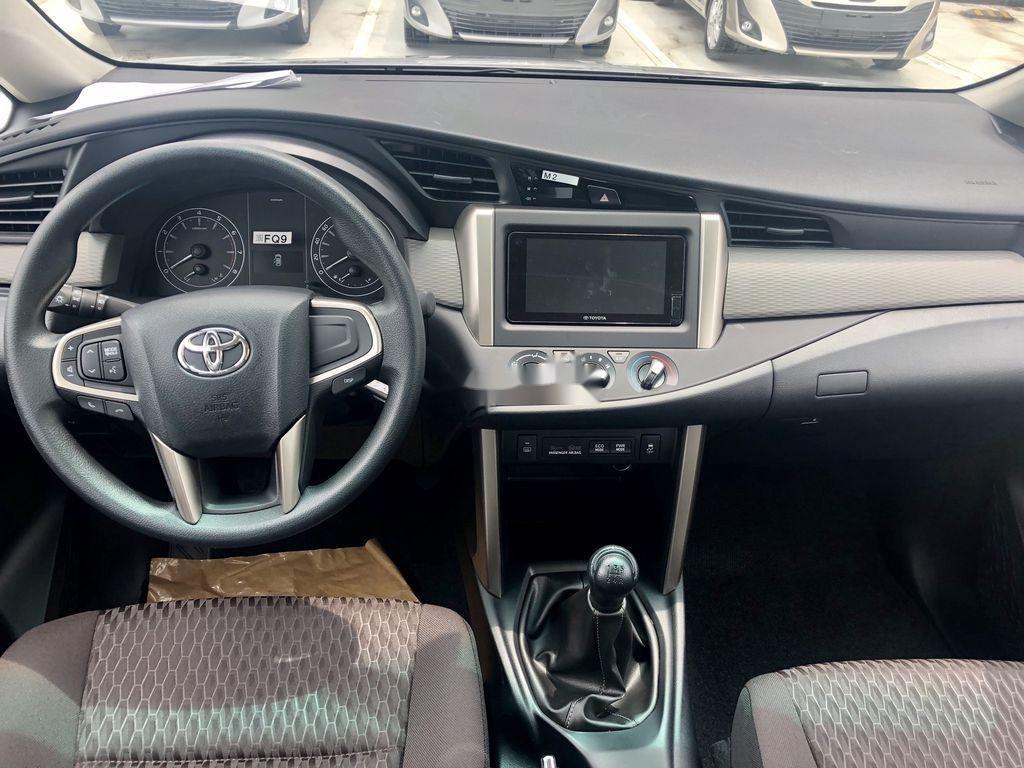 Bán ô tô Toyota Innova 2.0E MT năm sản xuất 2021 (6)