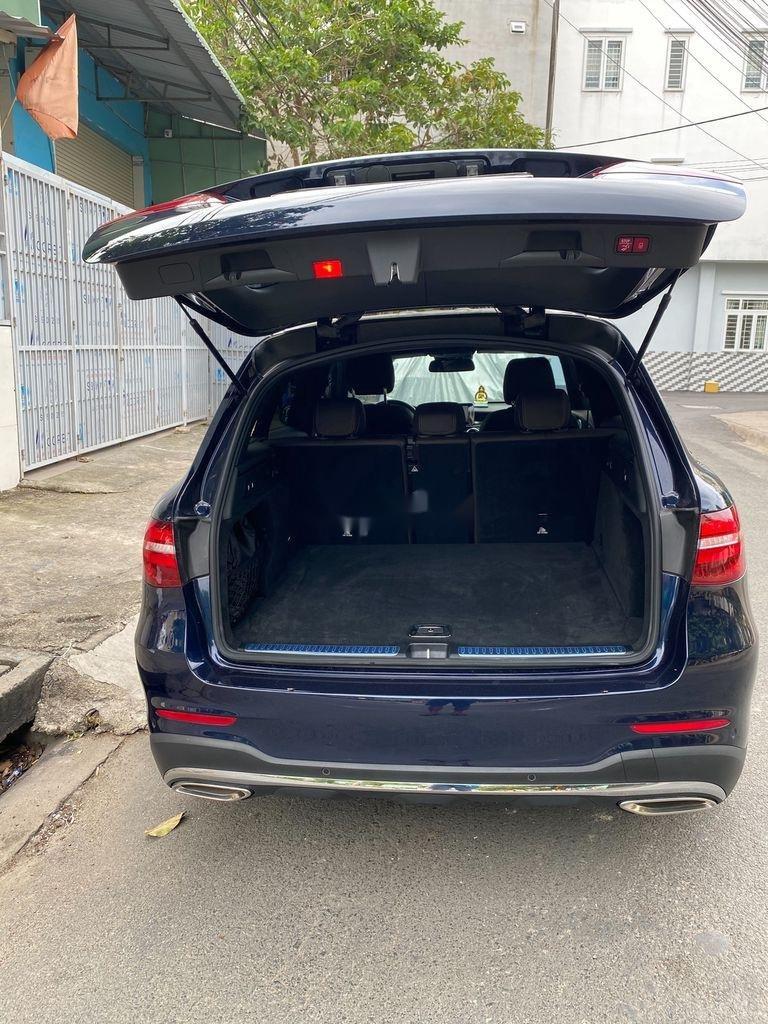 Cần bán xe Mercedes GLC300 4 Matic năm sản xuất 2019, nhập khẩu nguyên chiếc (4)