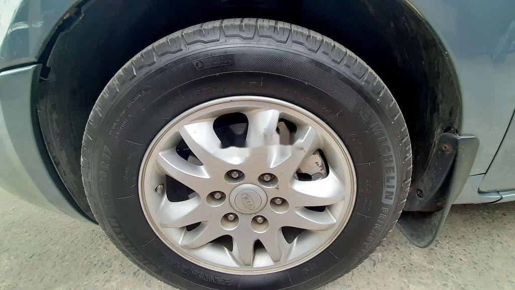 Xe Kia Carnival năm sản xuất 2005, nhập khẩu (11)