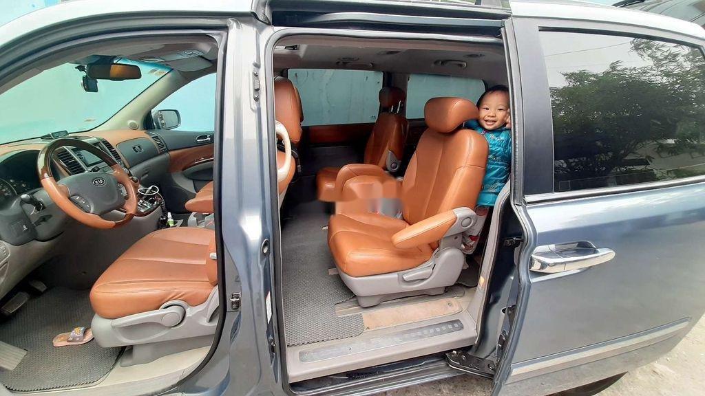 Xe Kia Carnival năm sản xuất 2005, nhập khẩu (4)