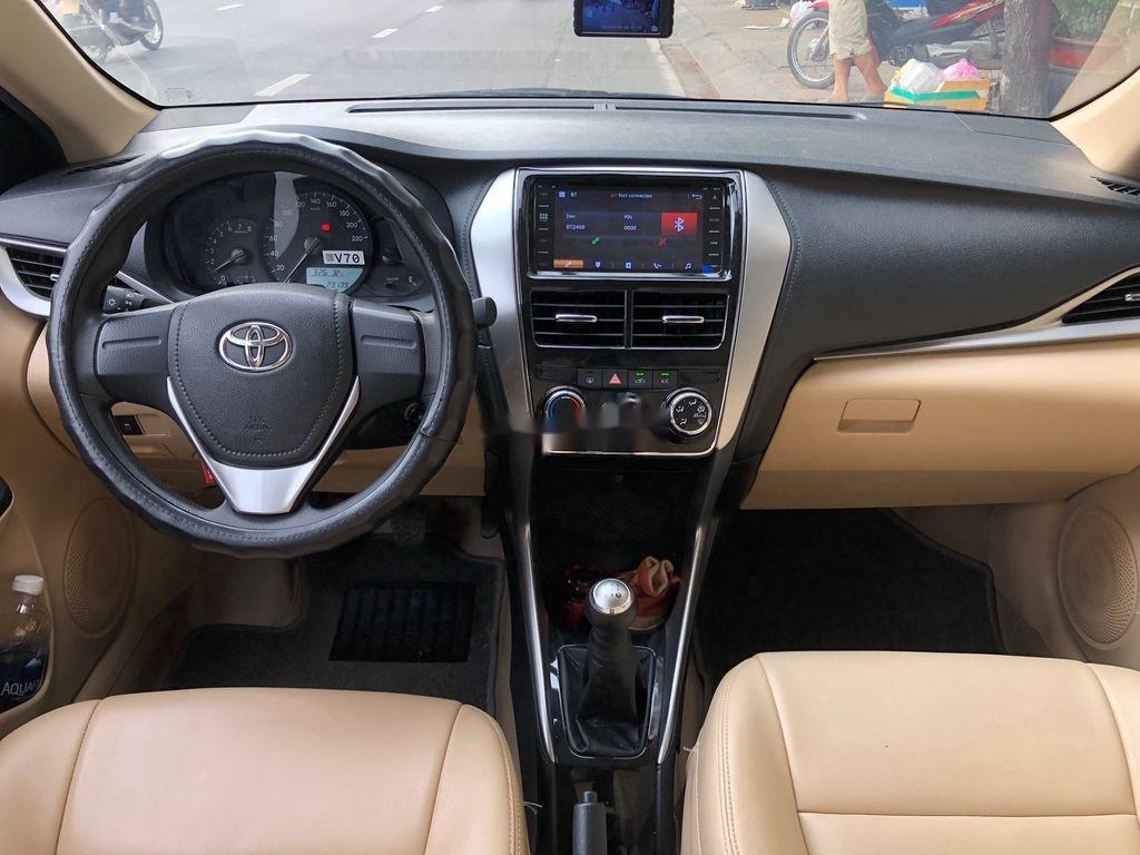 Cần bán xe Toyota Vios năm 2019, màu vàng, 440tr (7)