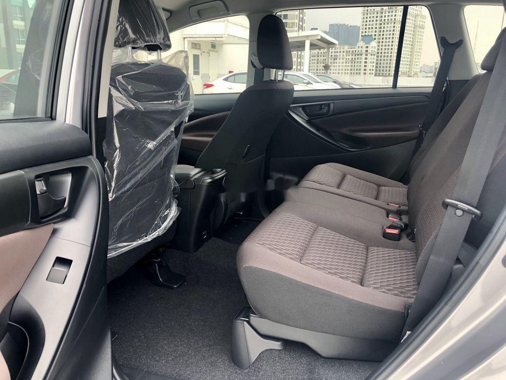 Bán ô tô Toyota Innova 2.0E MT năm sản xuất 2021 (9)