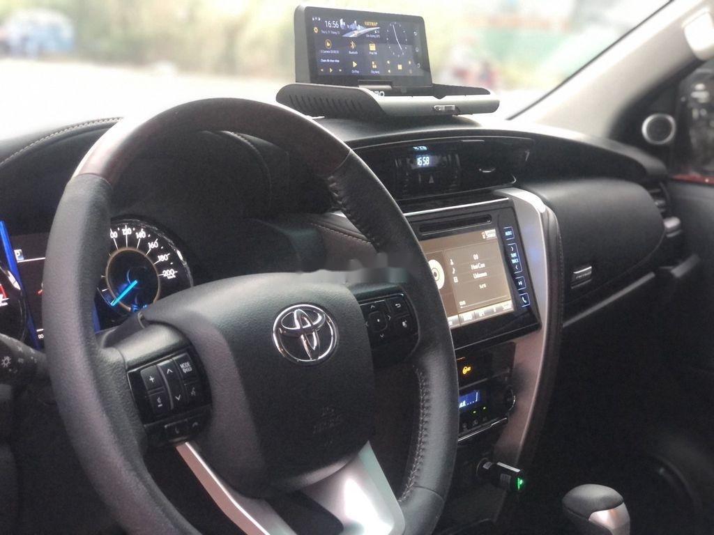 Bán Toyota Fortuner TRD sản xuất năm 2019 (11)