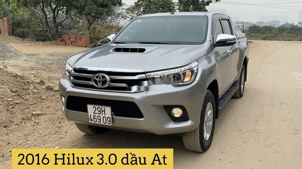 Bán Toyota Hilux đời 2016, màu bạc, nhập khẩu còn mới (1)