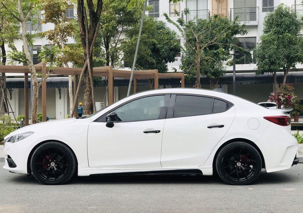 Bán Mazda 3 năm 2016, màu trắng, giá tốt (1)