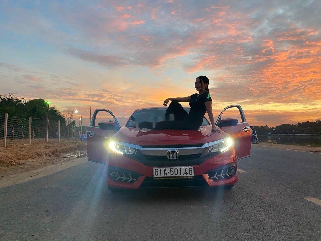 Cần bán gấp Honda Civic sản xuất năm 2018, nhập khẩu (5)