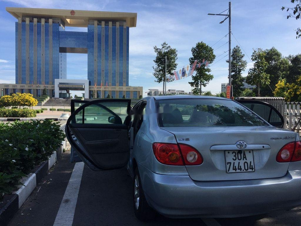 Cần bán lại xe Toyota Corolla Altis đời 2001, màu bạc (2)