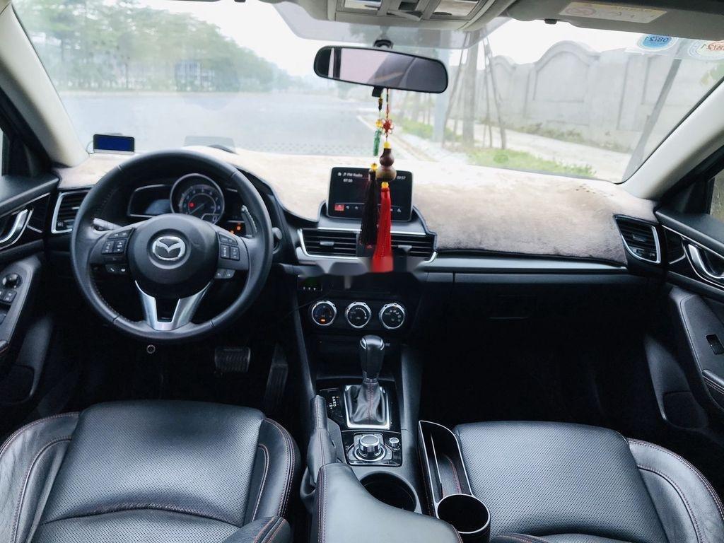 Bán Mazda 3 năm 2016, màu trắng, giá tốt (8)