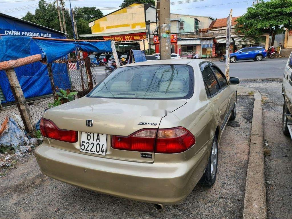 Cần bán Honda Accord sản xuất 2002, nhập khẩu nguyên chiếc giá cạnh tranh (6)