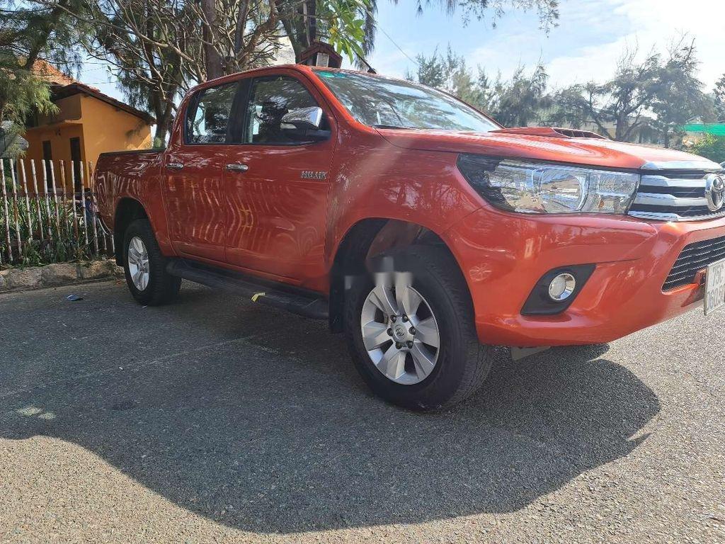 Bán Toyota Hilux năm 2016, nhập khẩu, màu cam (2)