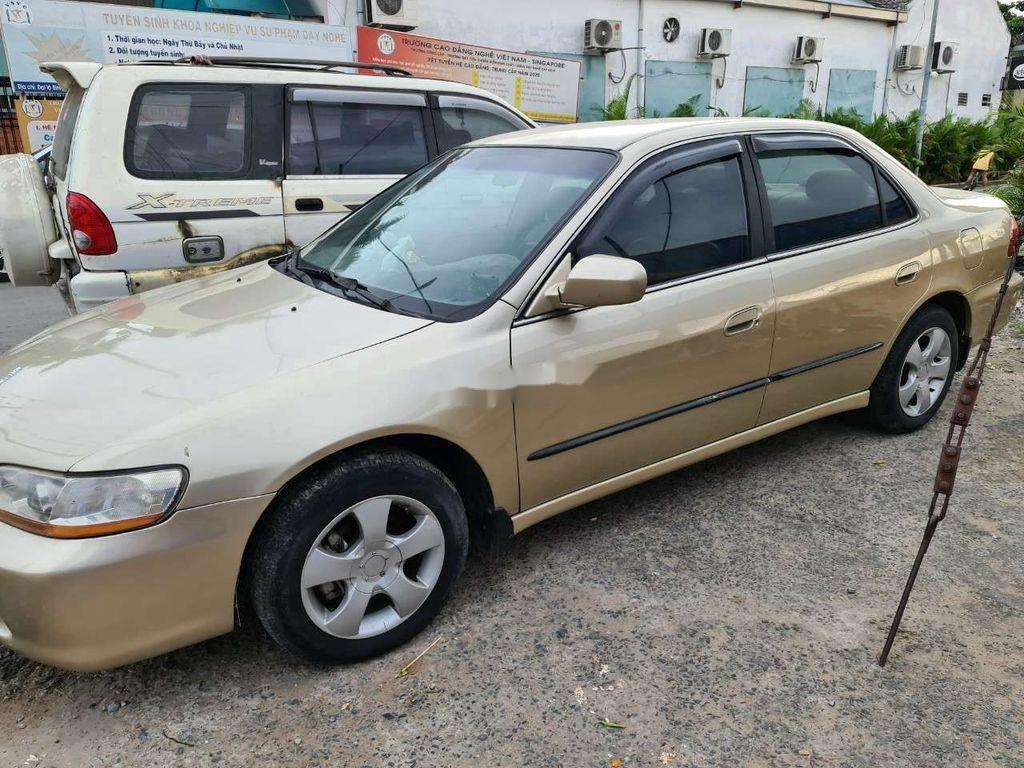 Cần bán Honda Accord sản xuất 2002, nhập khẩu nguyên chiếc giá cạnh tranh (5)