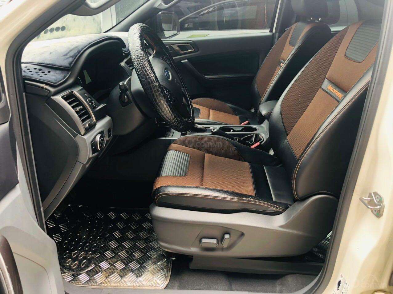 Cần bán Ford Ranger đăng ký lần đầu 2017, màu trắng còn mới giá tốt 775 triệu đồng. (4)