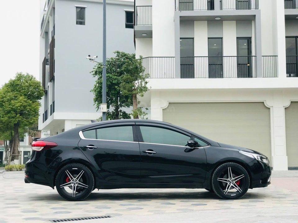 Bán Kia Cerato năm sản xuất 2017, màu đen, số tự động (2)