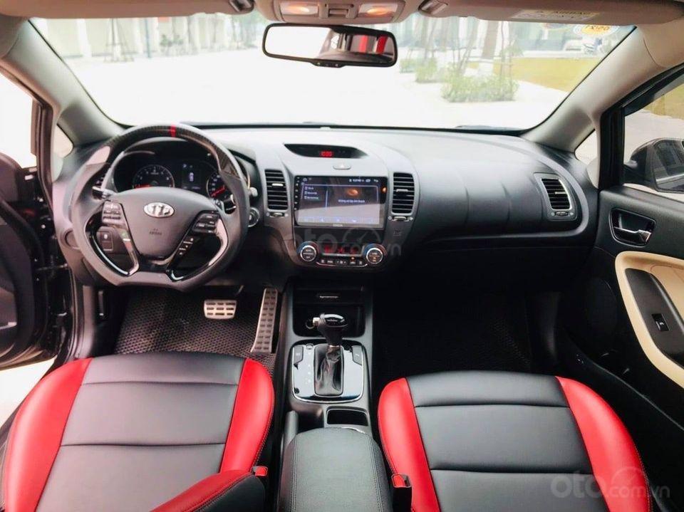 Bán Kia Cerato năm sản xuất 2017, màu đen, số tự động (3)