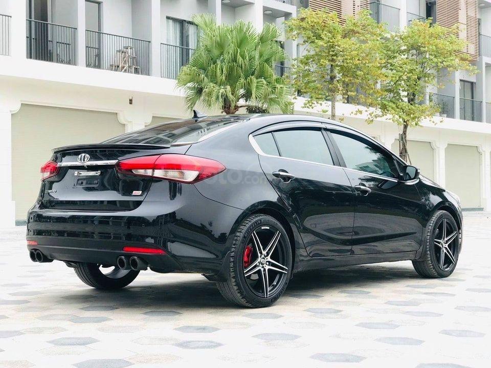 Bán Kia Cerato năm sản xuất 2017, màu đen, số tự động (1)
