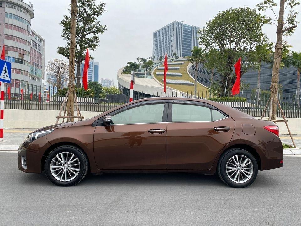 Cần bán lại xe Toyota Corolla Altis sản xuất năm 2014, màu nâu (1)