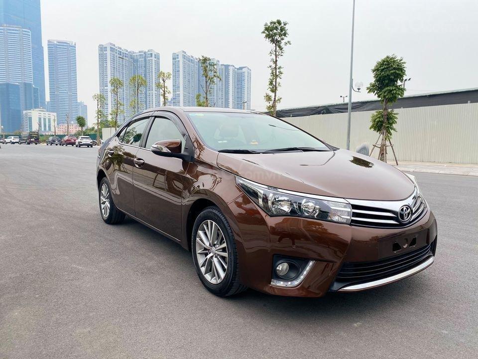 Cần bán lại xe Toyota Corolla Altis sản xuất năm 2014, màu nâu (2)