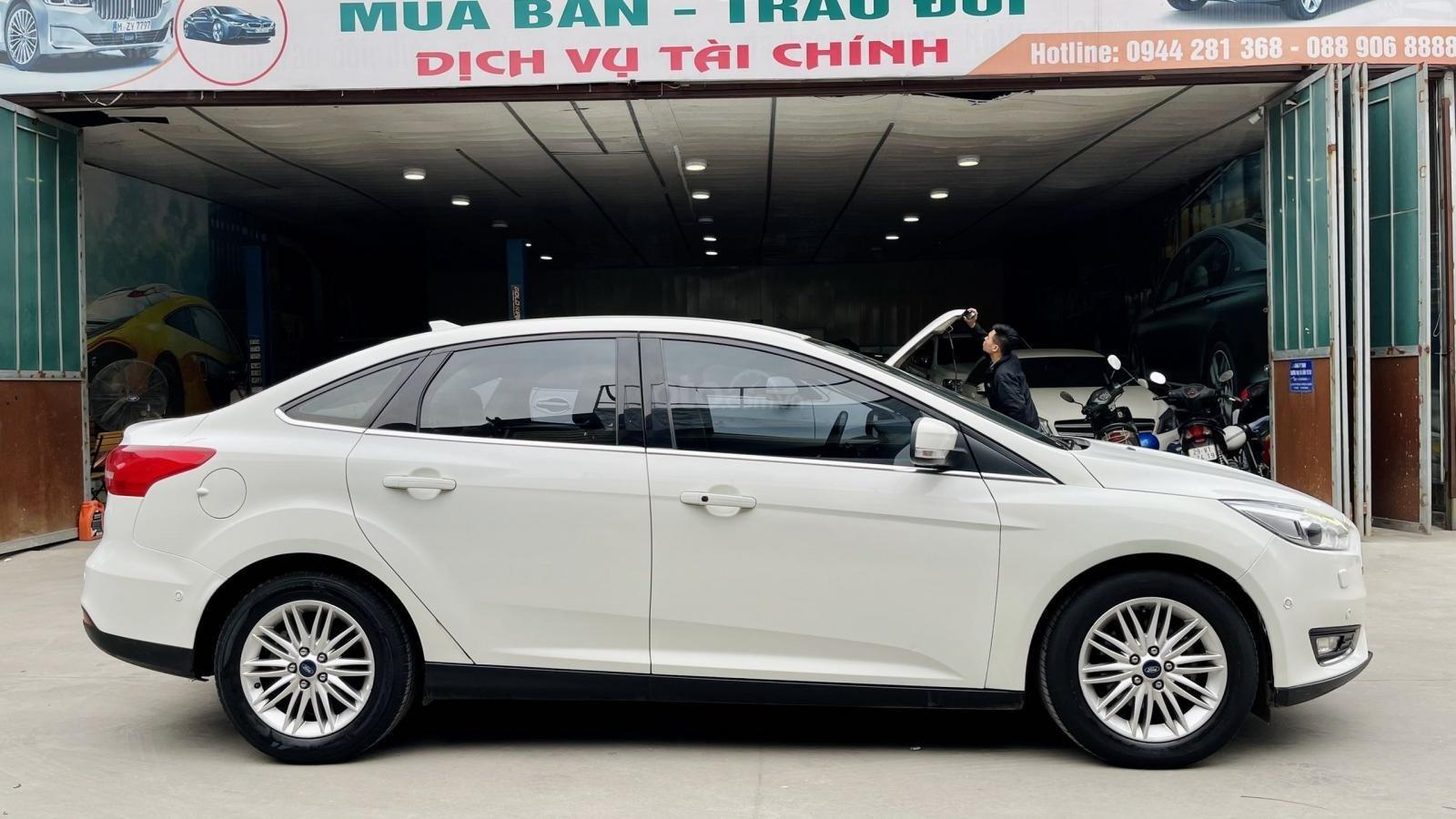 Cần bán xe Ford Focus đăng ký lần đầu 2017, màu trắng nhập khẩu nguyên chiếc giá tốt (6)