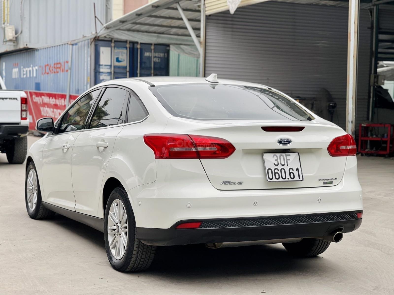 Cần bán xe Ford Focus đăng ký lần đầu 2017, màu trắng nhập khẩu nguyên chiếc giá tốt (11)