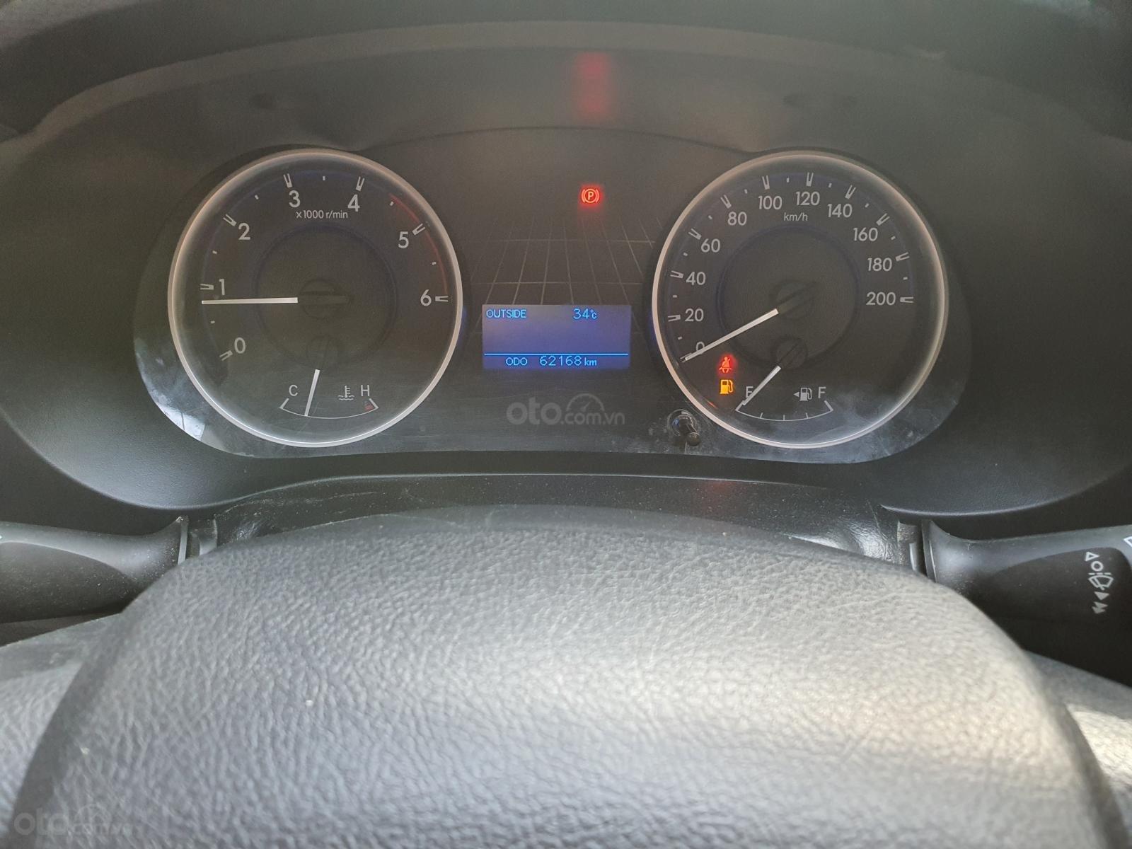 Bán Toyota Hilux số sàn 2016, xe còn mới, nguyên bản (10)