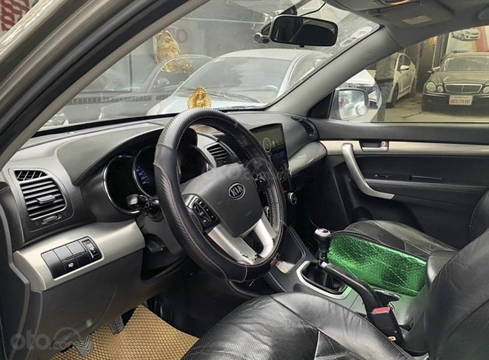 Xe Kia Sorento 2.4 năm sản xuất 2010, màu xám, xe nhập, giá chỉ 419 triệu (3)