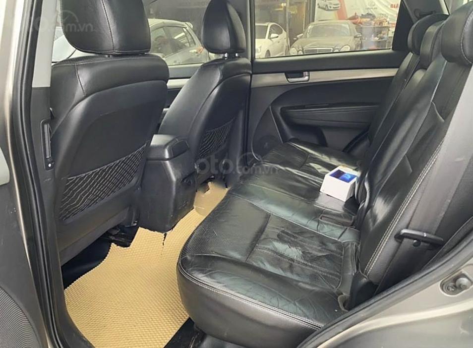 Xe Kia Sorento 2.4 năm sản xuất 2010, màu xám, xe nhập, giá chỉ 419 triệu (5)