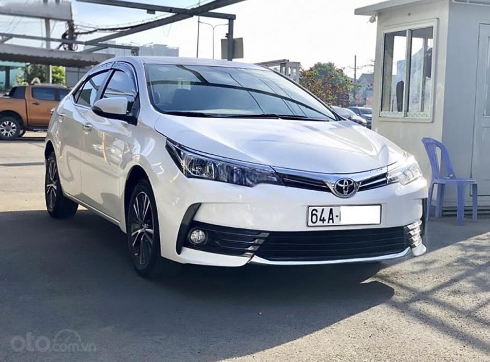 Cần bán lại xe Toyota Corolla Altis 1.8 G sản xuất năm 2018, màu trắng, giá tốt (1)