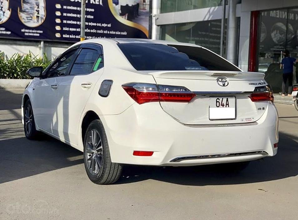 Cần bán lại xe Toyota Corolla Altis 1.8 G sản xuất năm 2018, màu trắng, giá tốt (4)