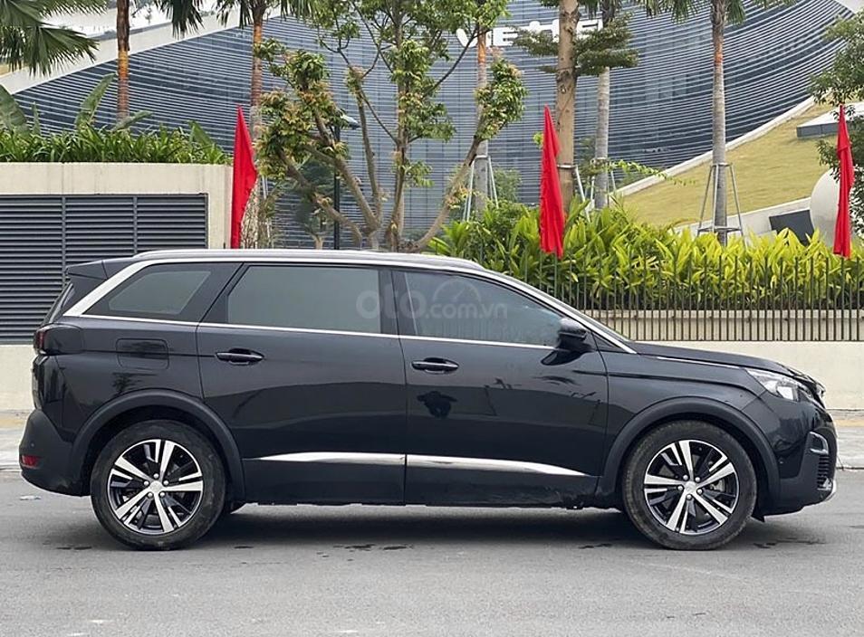 Cần bán xe Peugeot 5008 1.6 AT sản xuất năm 2018, màu đen (1)